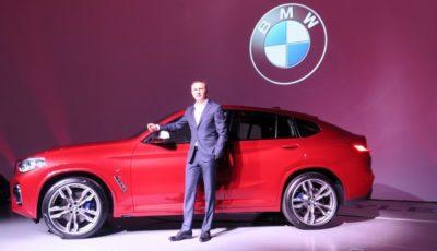 BMW X4 新型発表会のペーター・クロンシュナーブル代表取締役社長