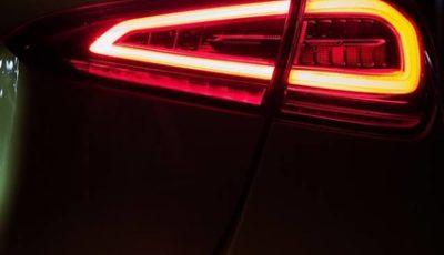 メルセデスAMG A35 のティザーイメージ