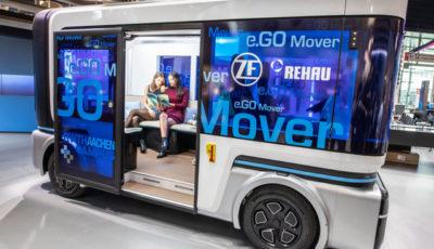 e.GOムーバー社の自動運転EVシャトル(アウトメカニカ2018) (c) Getty Images
