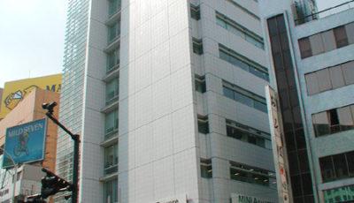 MINI青山(BMWスクエアの1階)