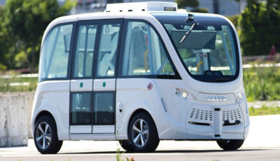 SBドライブが所有する自動運転シャトルバス「NAVYA ARMA(ナビヤ・アルマ)」