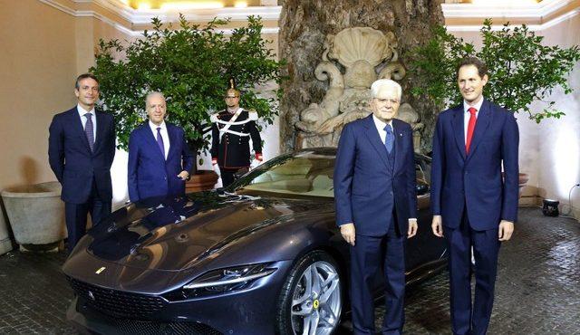フェラーリ・ローマを視察したイタリアのセルジョ・マッタレッラ大統領(右から二人目)
