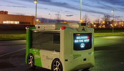 ヴァレオの自動運転の電動配送ドロイド「eDeliver4U」
