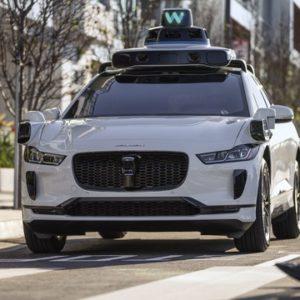 ウェイモの第5世代の自動運転システムを搭載するジャガーI-PACE
