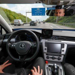 コンチネンタルの自動運転技術開発車両