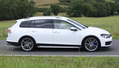 VW ゴルフR ヴァリアント 次期型プロトタイプ(スクープ写真)