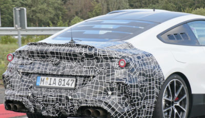 BMWの新型ミッドシップ・スーパーカー 開発車両(スクープ写真)