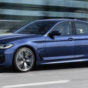 BMW 5シリーズ・セダン 改良新型のPHV「530e」