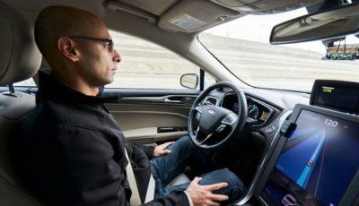 モービルアイの自動運転テスト車両(デトロイト市内)