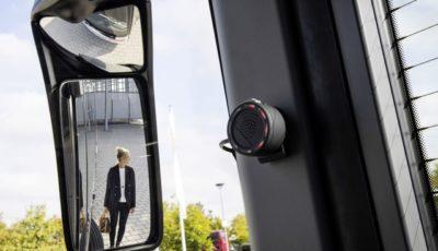 メルセデスベンツの巻き込み事故防止システム「サイドガードアシスト」