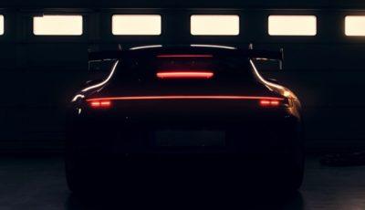 ポルシェ 911 の新「GT」モデルのティザーイメージ