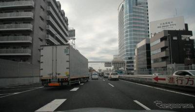 首都高速走行時のフロント4Kカメラ映像イメージ(合流時)