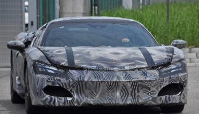 V6エンジンを52年ぶりに搭載するフェラーリの新型プラグインハイブリッド(スクープ写真)