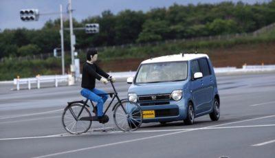 横断自転車の衝突被害軽減ブレーキ(参考画像)